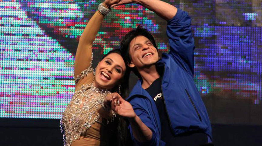 Sharukh Khan and Rani Mukharjee Performing in SRK Night at Army Stadium, Dhaka.